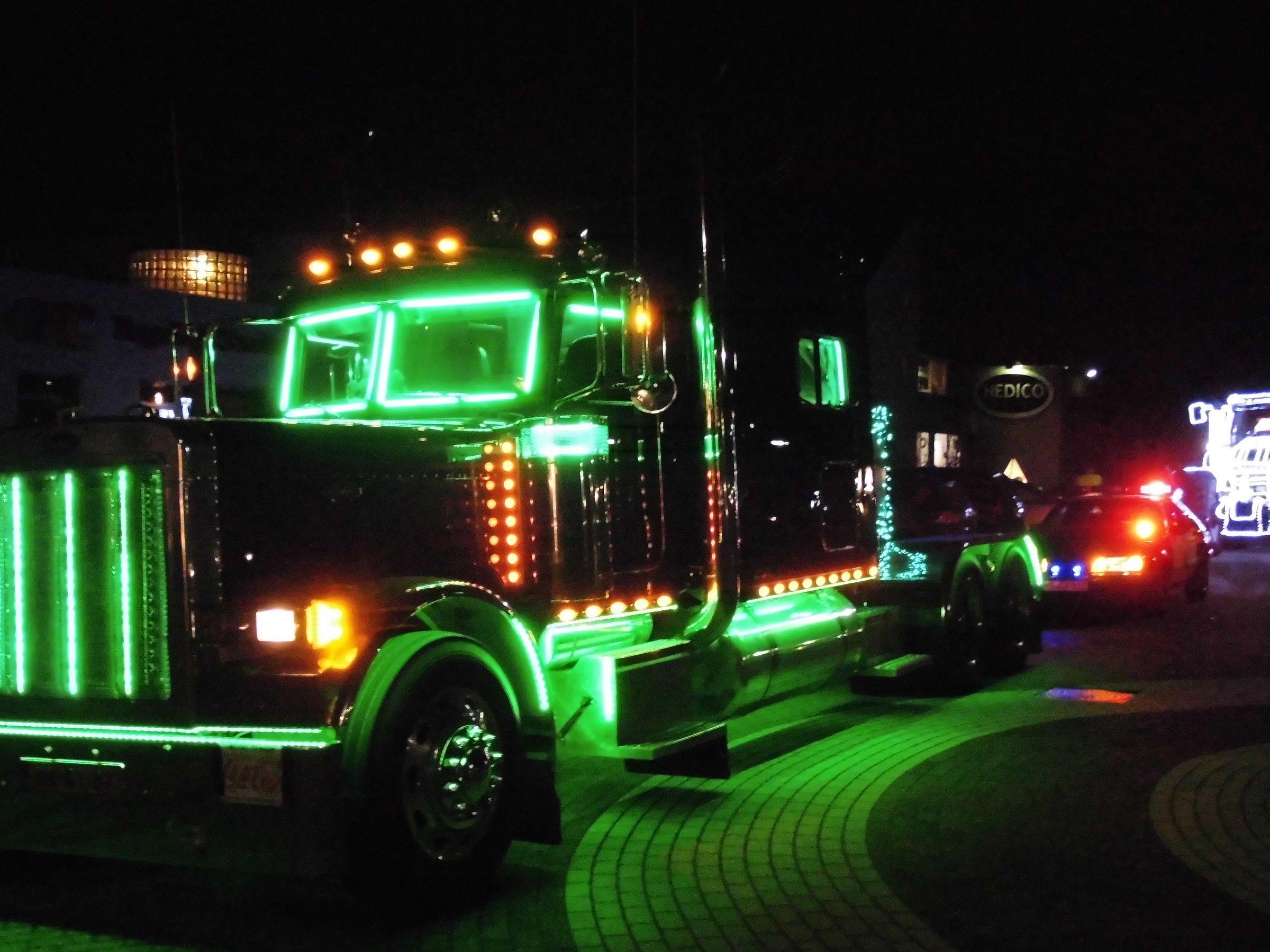 Vrachtwagen verlichting – Peter van Gerwen Containers Grondwerk en ...